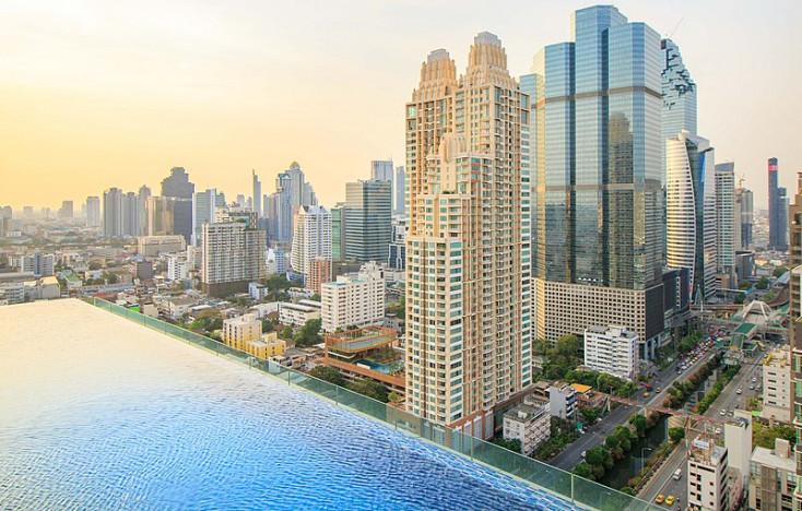 Barátságtalan a hotel személyzete - ennyi kritika elég Thaiföldön, hogy két évre bevarrják az embert a dutyiba