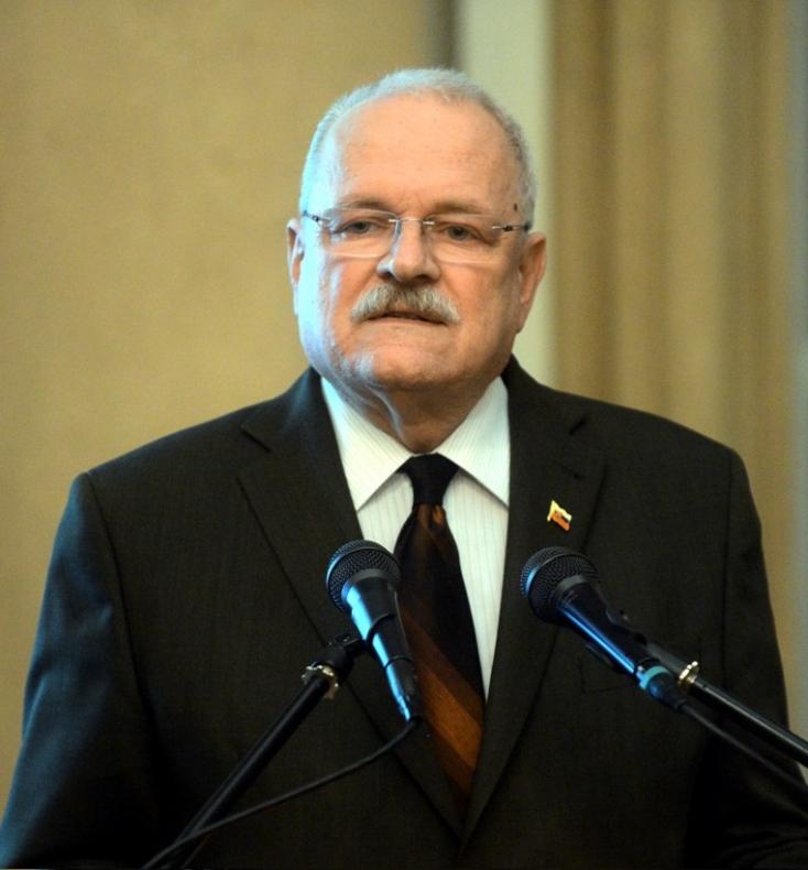 """""""Gašparovič egész jól van"""" - az exelnöknél járt a miniszter"""
