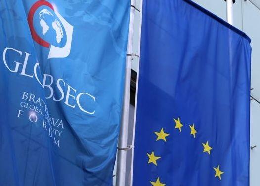 GLOBSEC: Ukrajnáról, az Iszlám Államról és a görög válságról tanácskozik Pozsonyban a világpolitika élvonala
