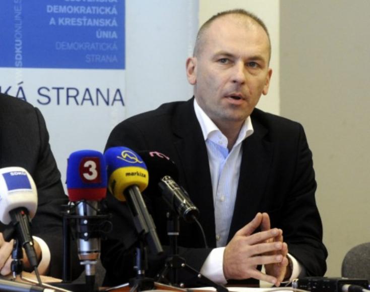 Probléma megoldva: Kaník kilépett az SDKÚ-ból, és SDKÚ néven alapított új pártot
