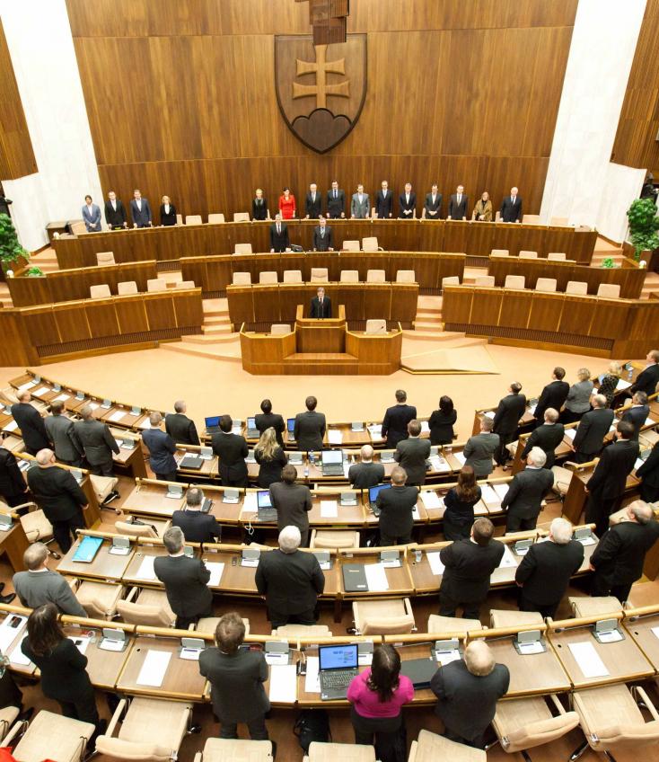 FELMÉRÉS: Öt párt jutna a parlamentbe, de az MKP, az SDKÚ és az SaS sincs köztük