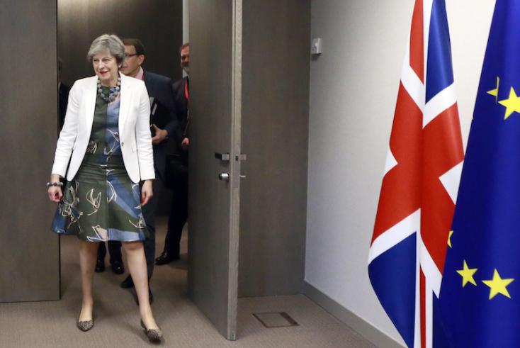 Jöhet a brexites hátraarc. Pár hét és szavaznak róla