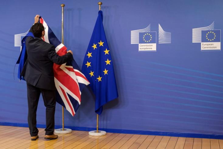 Lefullad a brit gazdaság a Brexit miatt