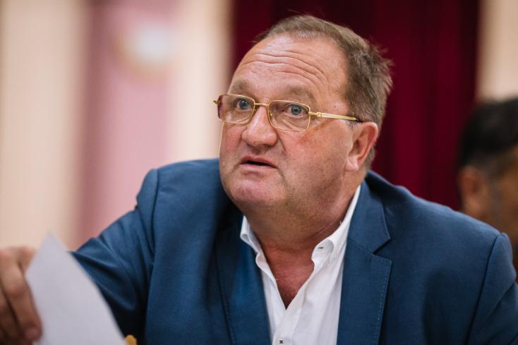 Egy éve még három párt is támogatta az albári polgármestert, Kočner miatt ma már hallani sem akarnak róla