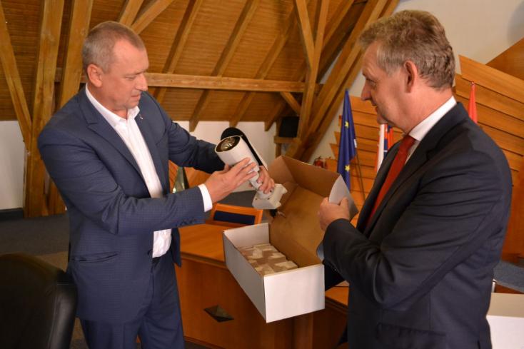 Dunaszerdahely is hozzájárul Beregszász közbiztonságának javításához