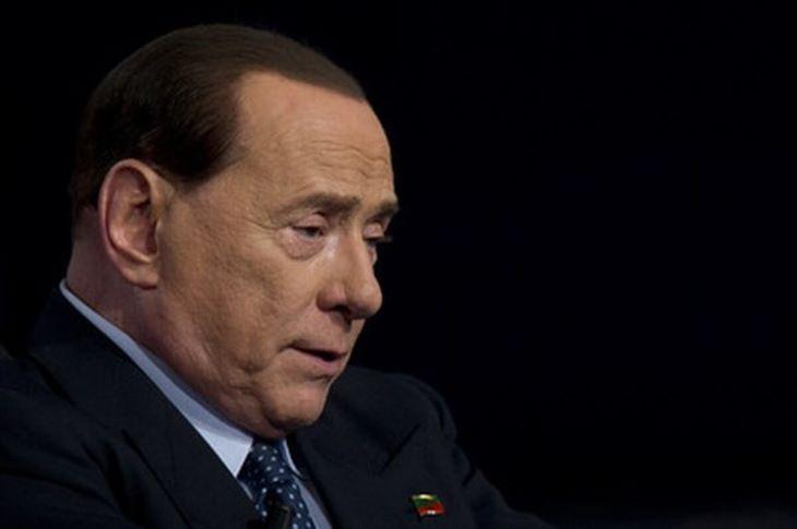 A koronavírussal kezelt Silvio Berlusconi elhagyta a kórházat