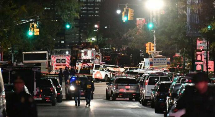 New York-i gázolás - A merénylet ellenére is megtartották a szokásos évi halloweeni felvonulást