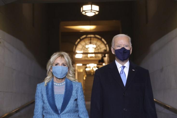 """Biden: """"Új nap virradt Amerikára"""""""