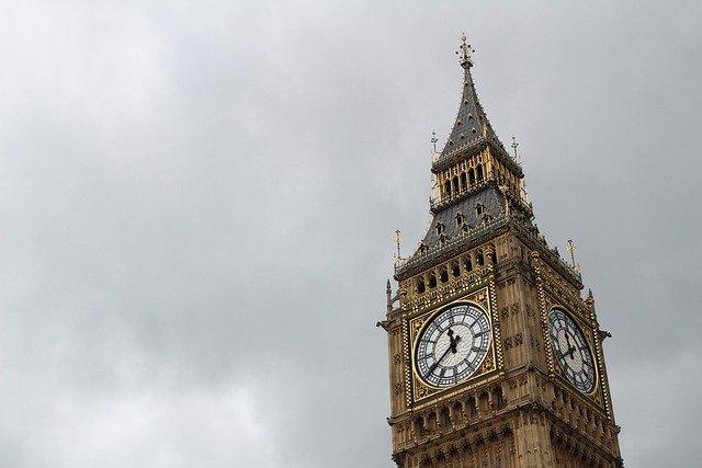 Visszanyerték eredeti, kék színüket a Big Ben órájának mutatói (FOTÓ)