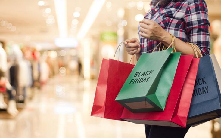 Az élethez való alkotmányos jog felülírja a korlátlan shoppingolás és szórakozás iránti tömegigényt