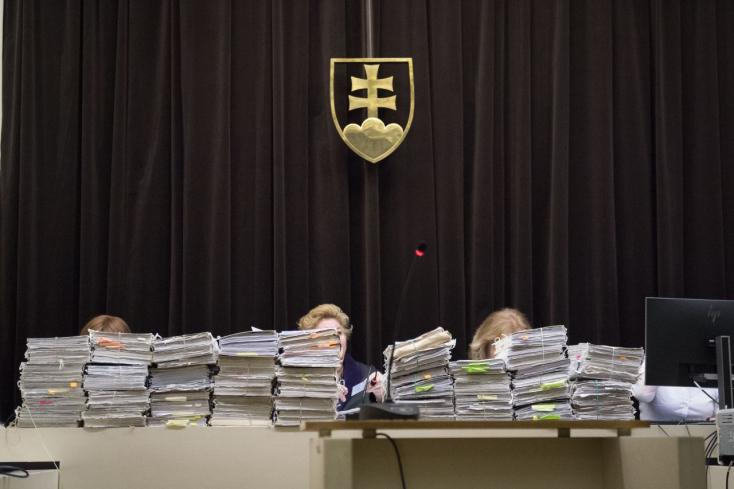 170 ezer ember közel 63 milliárd koronányi spórolt pénzét nyúlták le - 17 év után lezárulhat a BMG/Horizont-ügy!