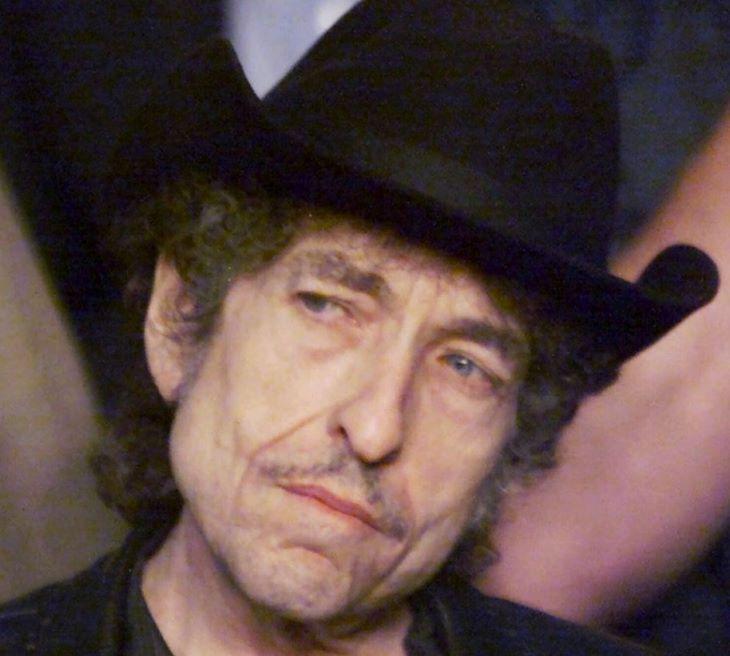 Rekordáron kínálják megvételre Bob Dylan egyik leghíresebb dalának kéziratát