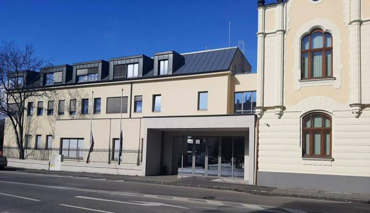 Bombariadó miatt kiürítették a Dunaszerdahelyi Járásbíróság épületét