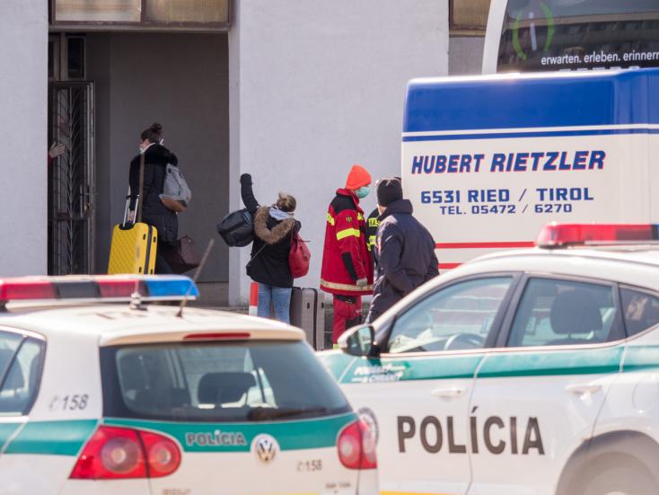 Sok hazatérő morgott, bíróság döntheta kötelező karantén jogosságáról
