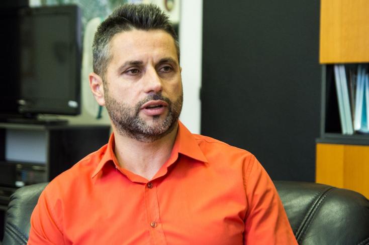 Both Péter: Vészhelyzet közeli állapot van a dunaszerdahelyi rendőrségen