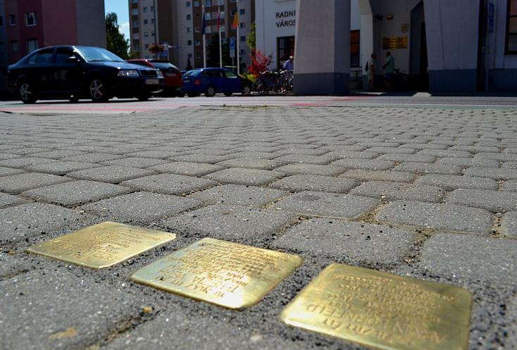 Három kő, amelyeknél néhány pillanatra érdemes megállni a Fő utcán Dunaszerdahelyen