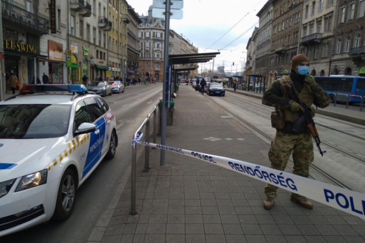 Szombaton délben megkéseltek egy fiatalt Budapest belvárosában