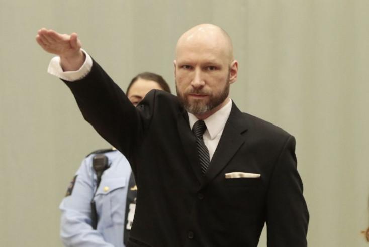 Breivik a 77-szeres náci gyilkos emberi jogaira hivatkozva beperelte a norvég államot