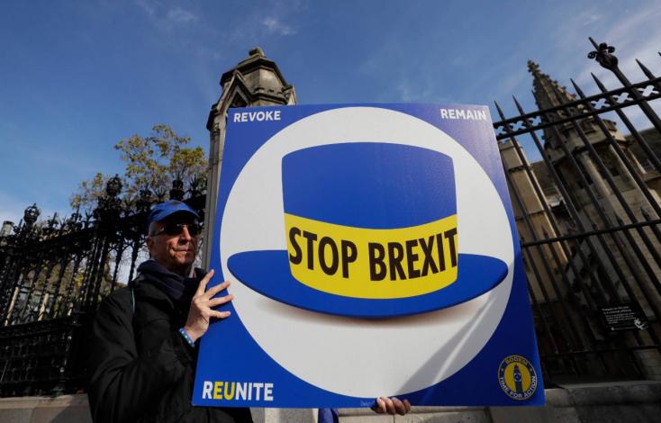 BREXIT: Recesszió felé tart a brit gyáripar