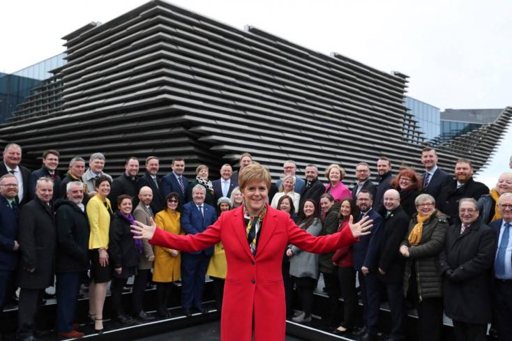 A skótok függetlenednének, miniszterelnökük szerint Johnson nem vétózhatja meg a nészavazást