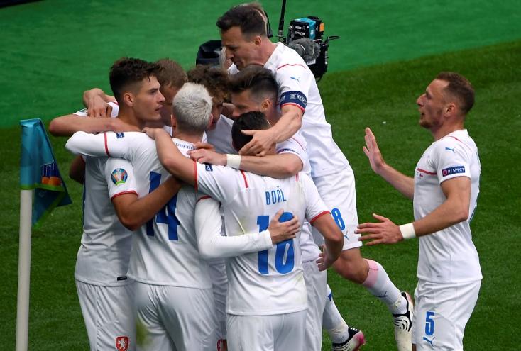 EURO-2020: A csehek Schick duplájával győzték le a skótokat