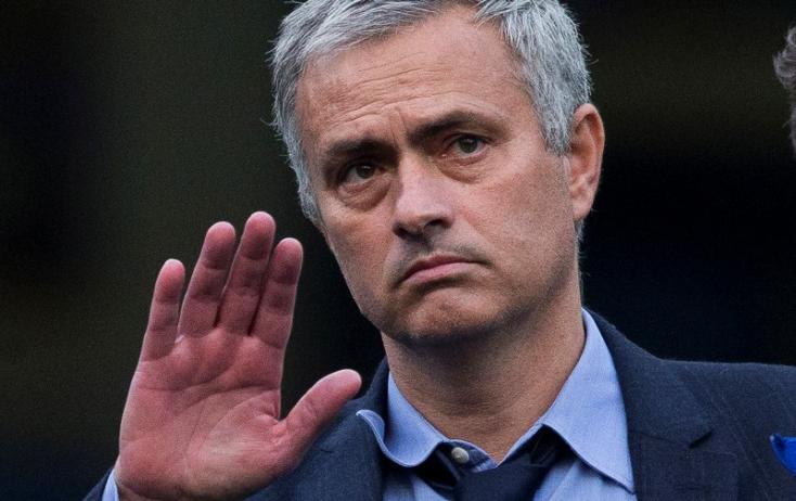 Európa-liga: Mourinho a játékosait kritizálta, Lloris szégyenről beszélt