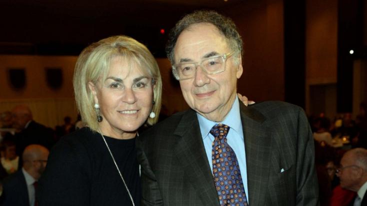 Holtan találták Barry Sherman kanadai milliárdost és feleségét