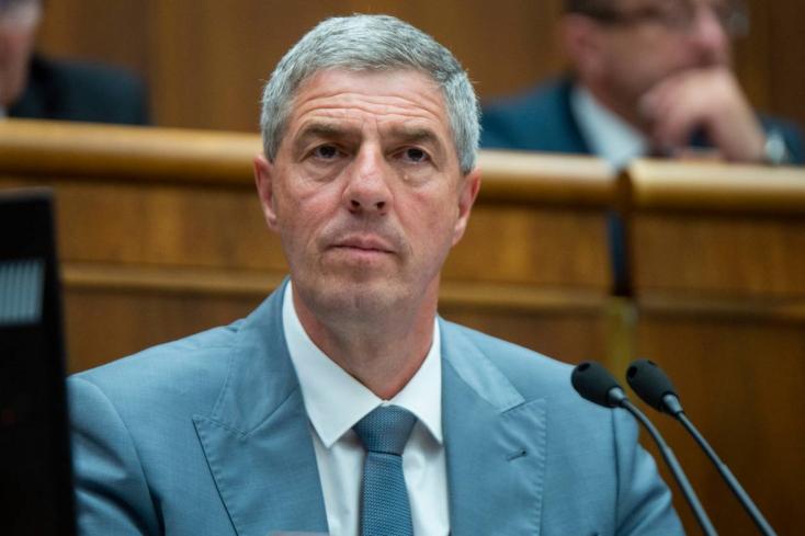 Színmagyar választási lista nem lesz, Bugár azzal akar együttműködni, aki tenne a szlovák-magyar viszonyért