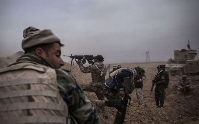Irak megindította utolsó, sivatagi offenzíváját a dzsihadisták kiűzésére