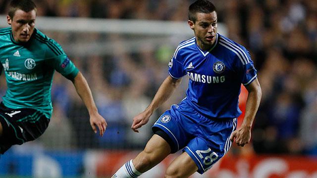 Szerződést hosszabbított a Chelsea-vel a spanyol labdarúgó