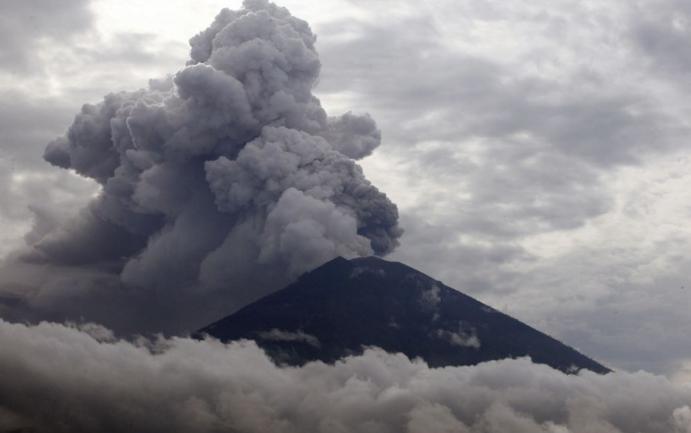Újra kitört a vulkán Balin