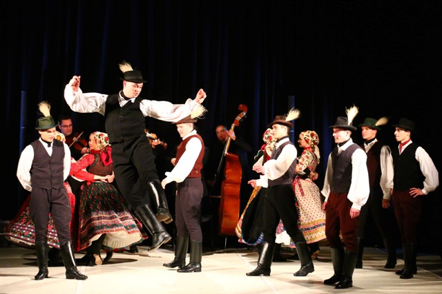 Ifjú Szivek Táncszínház: Dél-szlovákiai turnén a Bartók 135