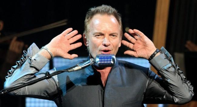Sting fiatal menekültek javára ajánlotta fel zenei díját