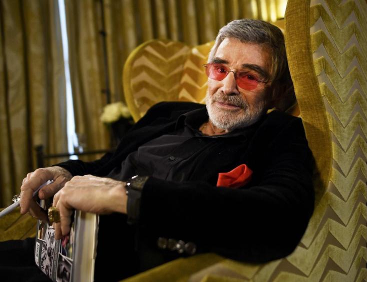 Burt Reynolds személyes tárgyait árverezik el nyáron Beverly Hillsben