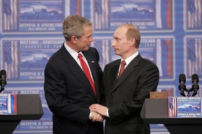 Akik belenéztek Putyin szemébe