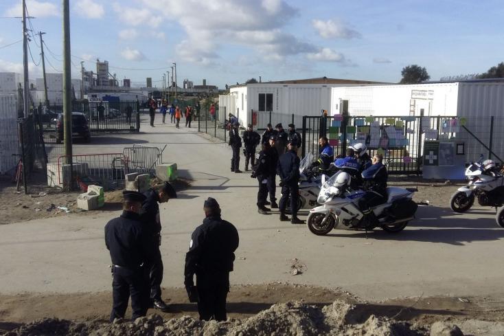 Bevándorlók közti verekedésben 17-en megsérültek, köztük négyen súlyosan Calais-ban