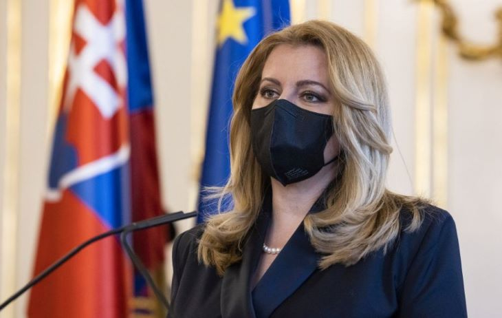 Csütörtökön 11 órakor elfogadja az államfő Gröhling és Korčok lemondását