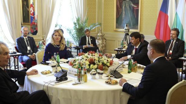 Čaputová: Gyakrabban kellene konstruktív javaslatokkal előállniuk a V4-eknek