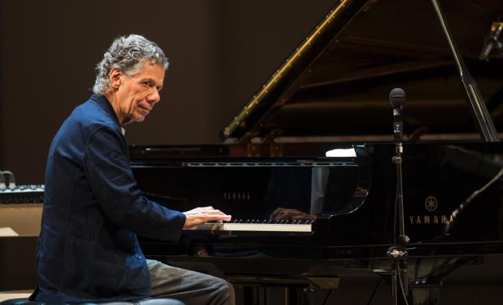 Meghalt Chick Corea többszörös Grammy-díjas jazz-zongorista