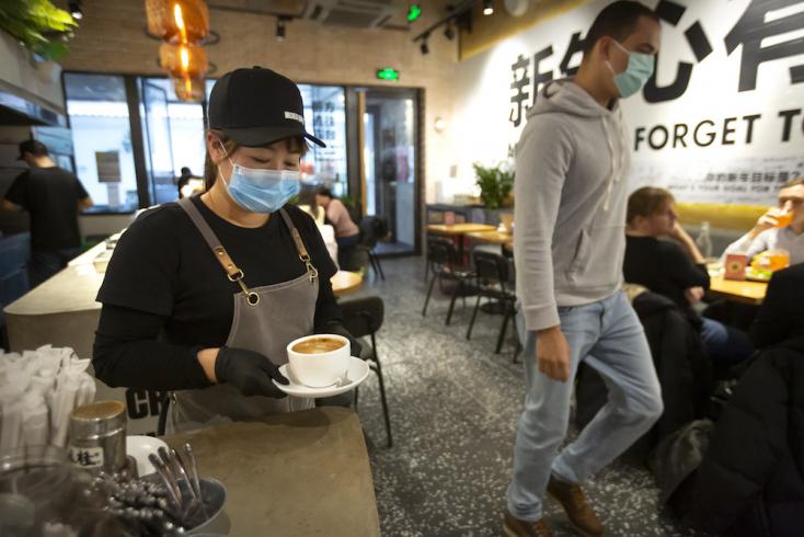 Két hétig otthon vagy karanténban kell maradniuk a hazaérkező pekingieknek