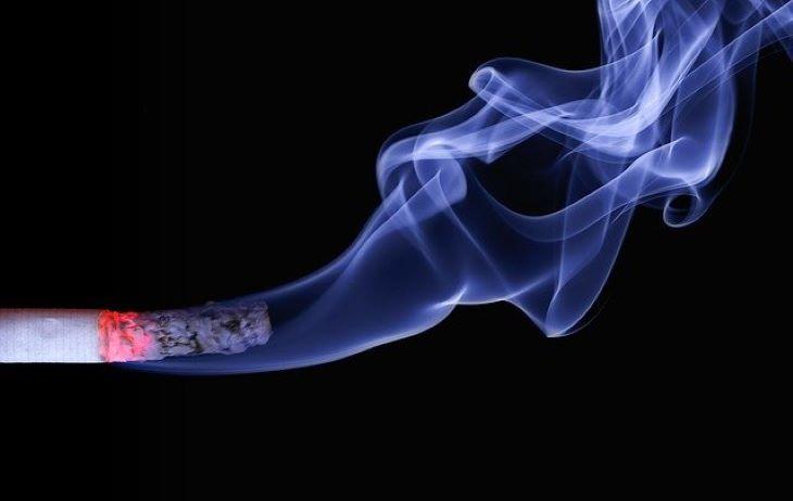 Észak-Koreában betiltották a dohányzást nyilvános helyeken