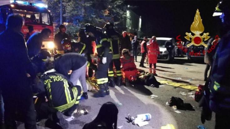 Egy 16 éves srác paprikaspray-t fújt a tömegbe, emiatt halt meg hat koncertező