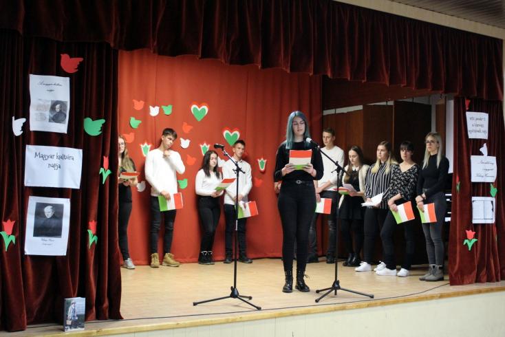 Zenés műsorral ünnepelték a magyar kultúra napját a Vidékfejlesztési Szakközépiskolában