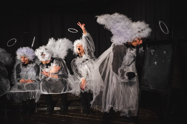 Bábelőadással hangol az ünnepekre szombaton a Komáromi Jókai Színház