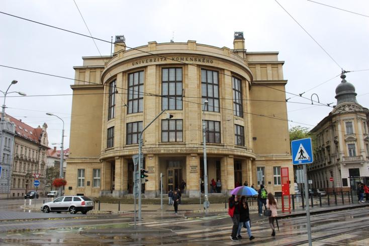 Bezárnak két pozsonyi egyetemet a koronavírus miatt