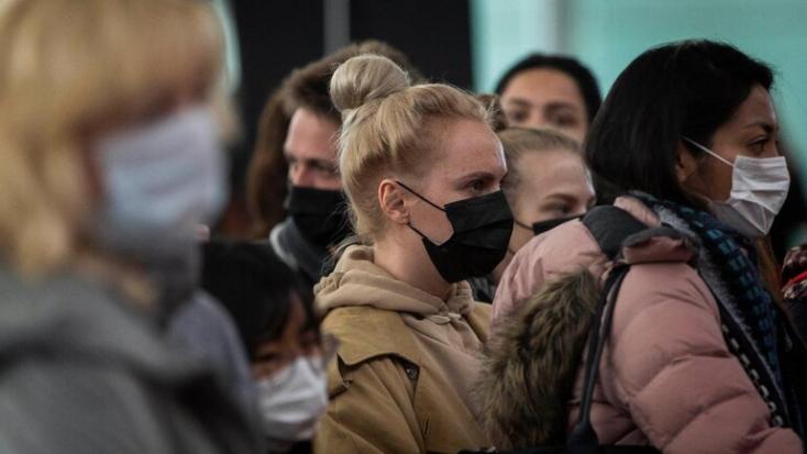 Összecsaptak a rendőrséggel a korlátozások ellen tüntetők Ausztráliában (FOTÓ)
