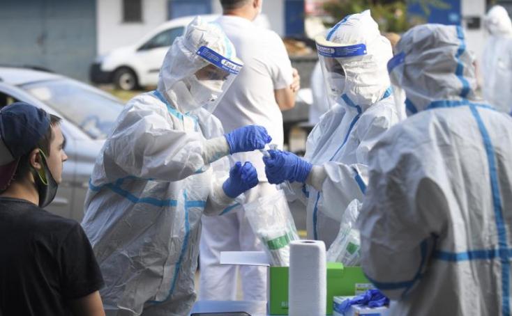 Ukrajnában tovább csökkent a napi fertőzöttek száma