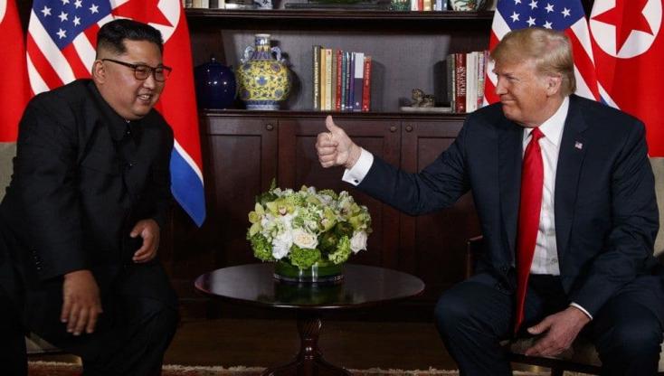 Négyszemközti megbeszéléssel kezdődik Trump és Kim Dzsong Un találkozója