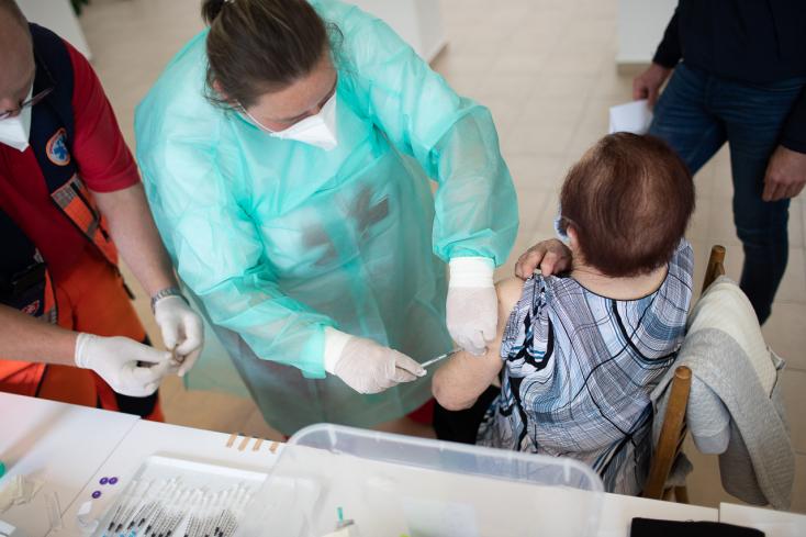Mutatjuk, kik nyertek újabb 10 ezer, illetve ezer eurót a vakcinalottón!