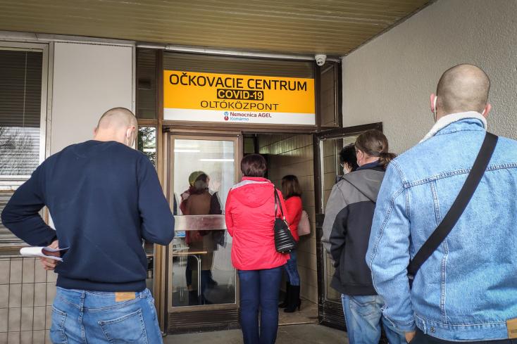 KORONAVÍRUS: Két napi növekedés után csökkent a kórházakban ápoltak száma, újabb tíz haláleset